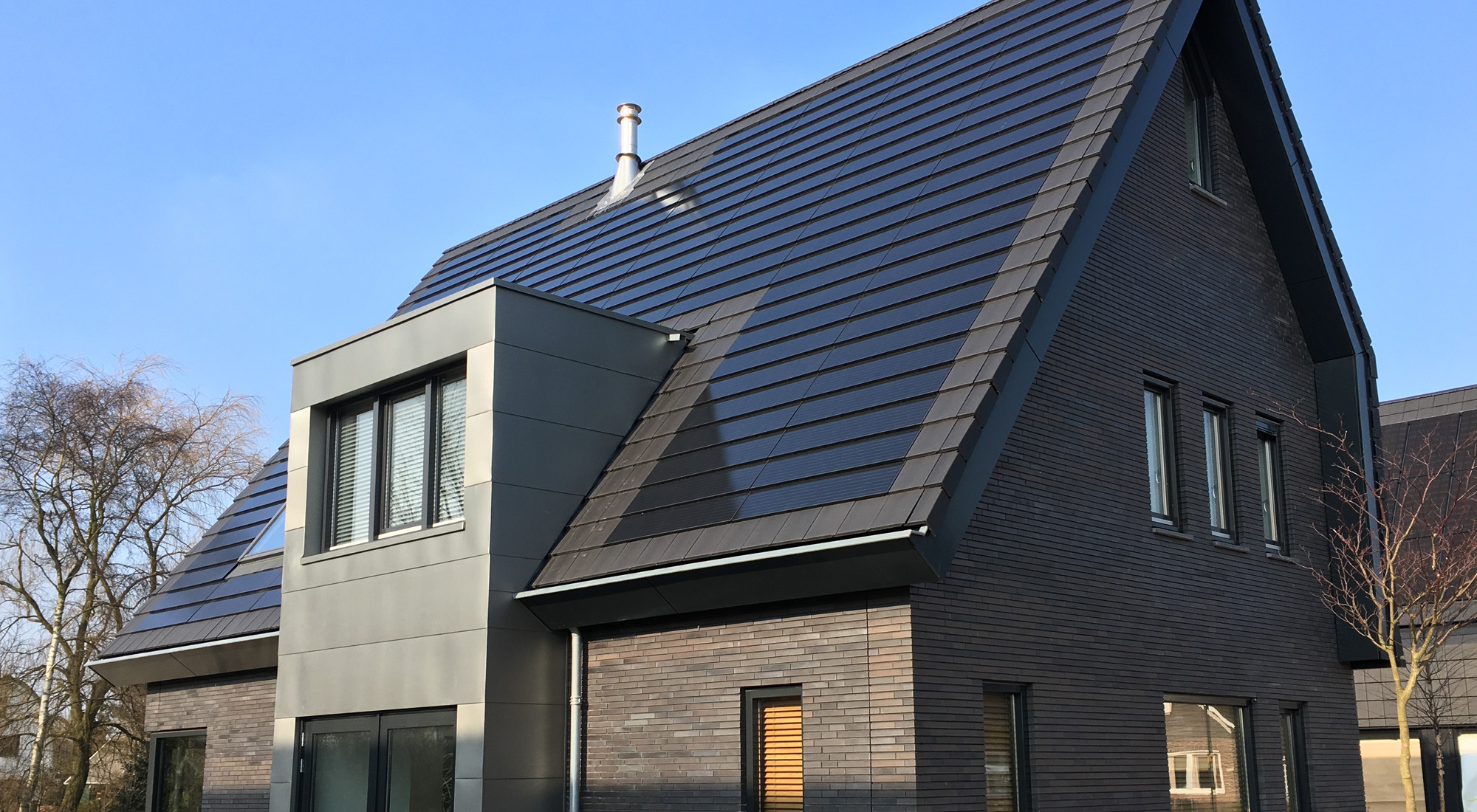 Planum Concrete Roof Tiles and Integrated Solar Systems