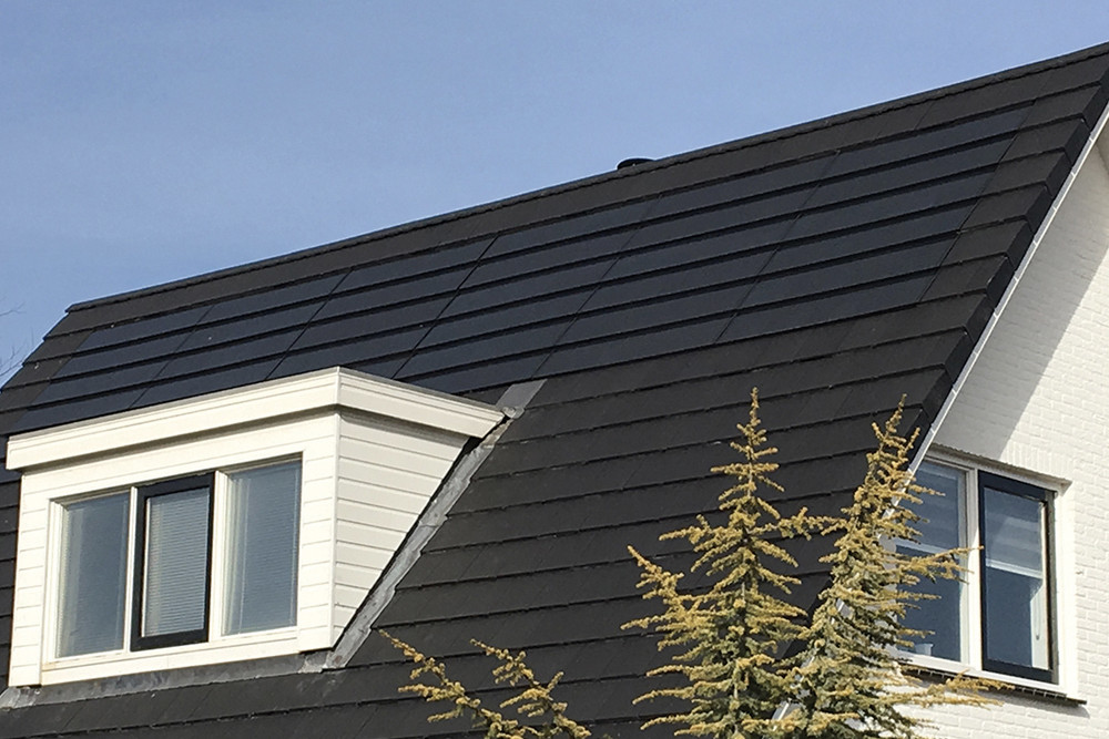 Planum Solar Roof System - A seamless and attractive finish to your roof